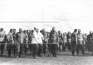 Группв генералов на параде.