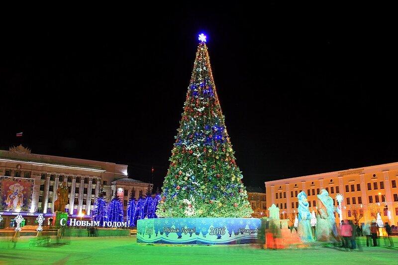 Новогодняя ёлка 2016 на Театральной площади в Кирове