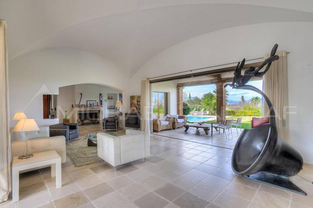 элитная недвижимость во Франции, купить дом в Сен-Тропе, купить недвижимость Лазурный Берег, роскошные дома на Лазурном Берегу, частный дом Франция
