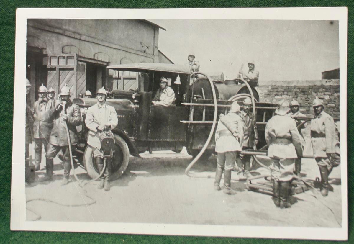 1930. Пожарная команда на нефтяных разработках. Баку