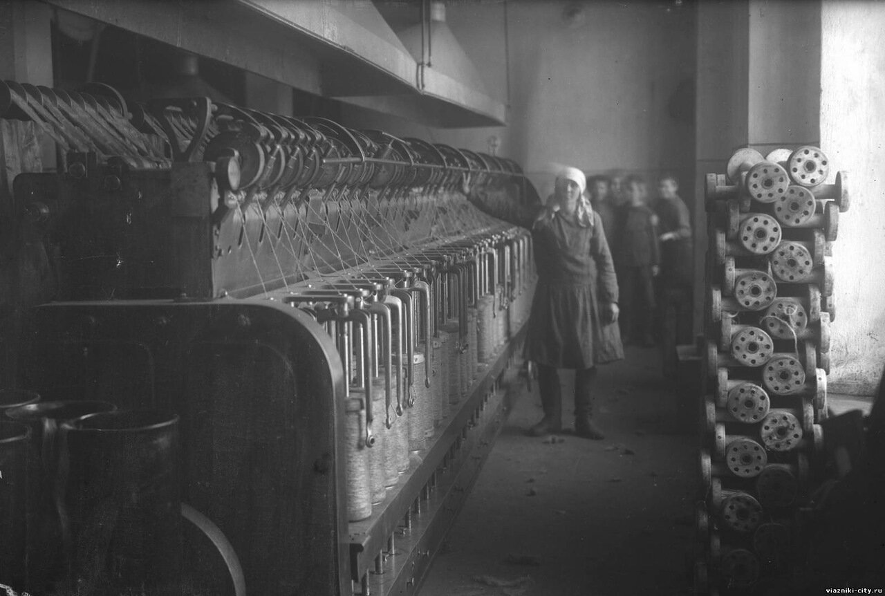 Банкаброш фабрики-школы. 1931