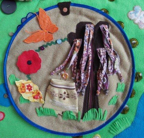 Детский развивающий коврик (диаметр 27 см.) Авторская ручная работа