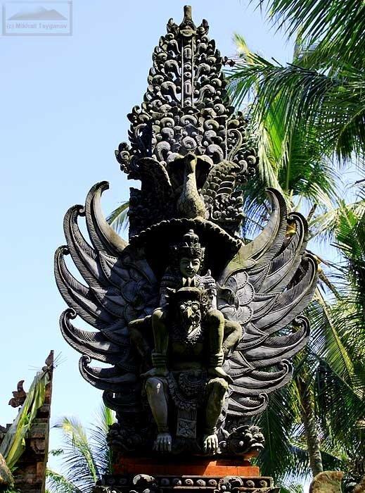 Храм в Пури Таман Сари