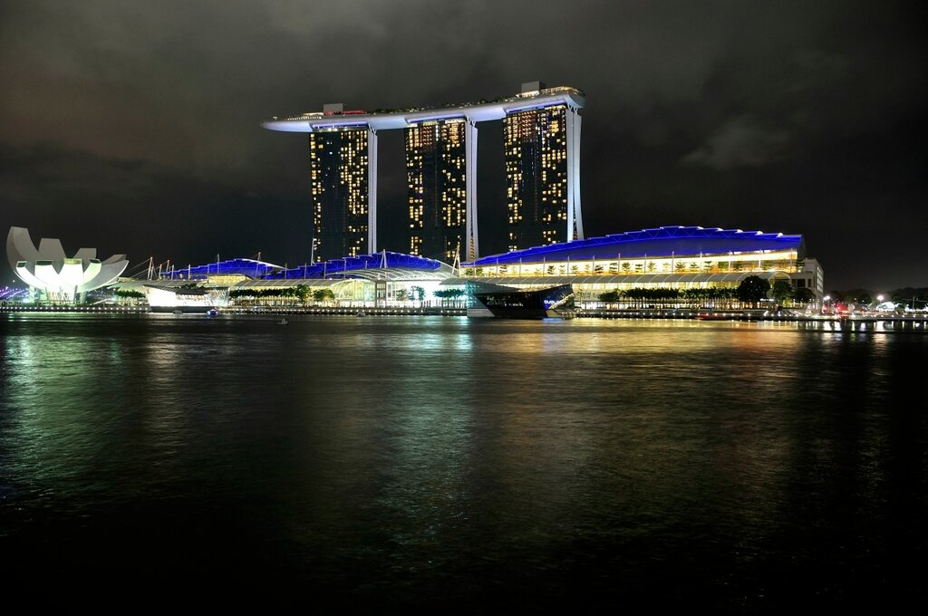 Marina Bay Sands ночью