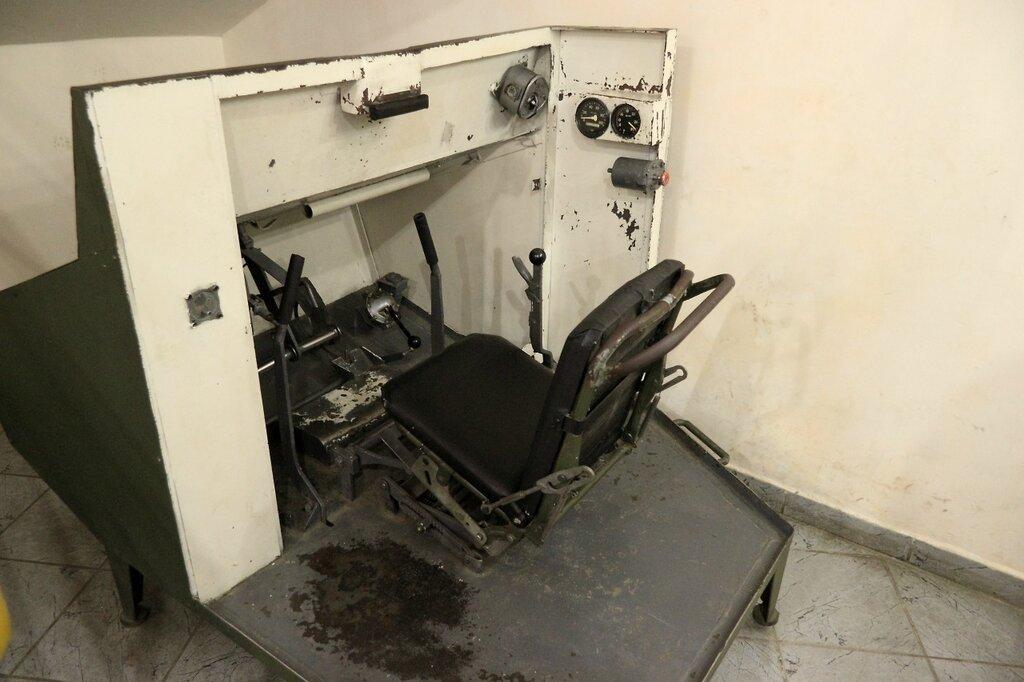 Механический тренажер механика-водителя танка