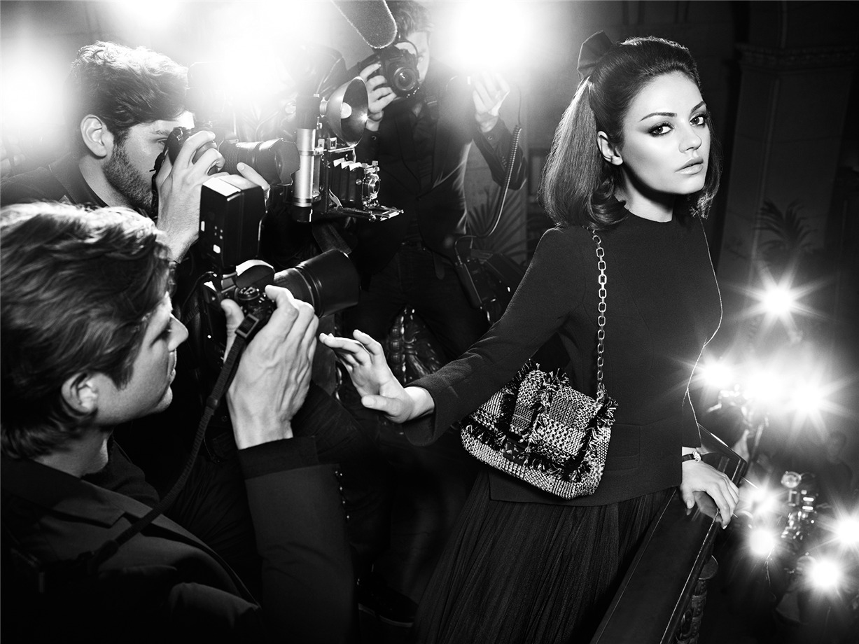 Mila Kunis / Мила Кунис в рекламе коллекции женских сумочек Miss Dior 2012 / фотограф Mario Sorrenti