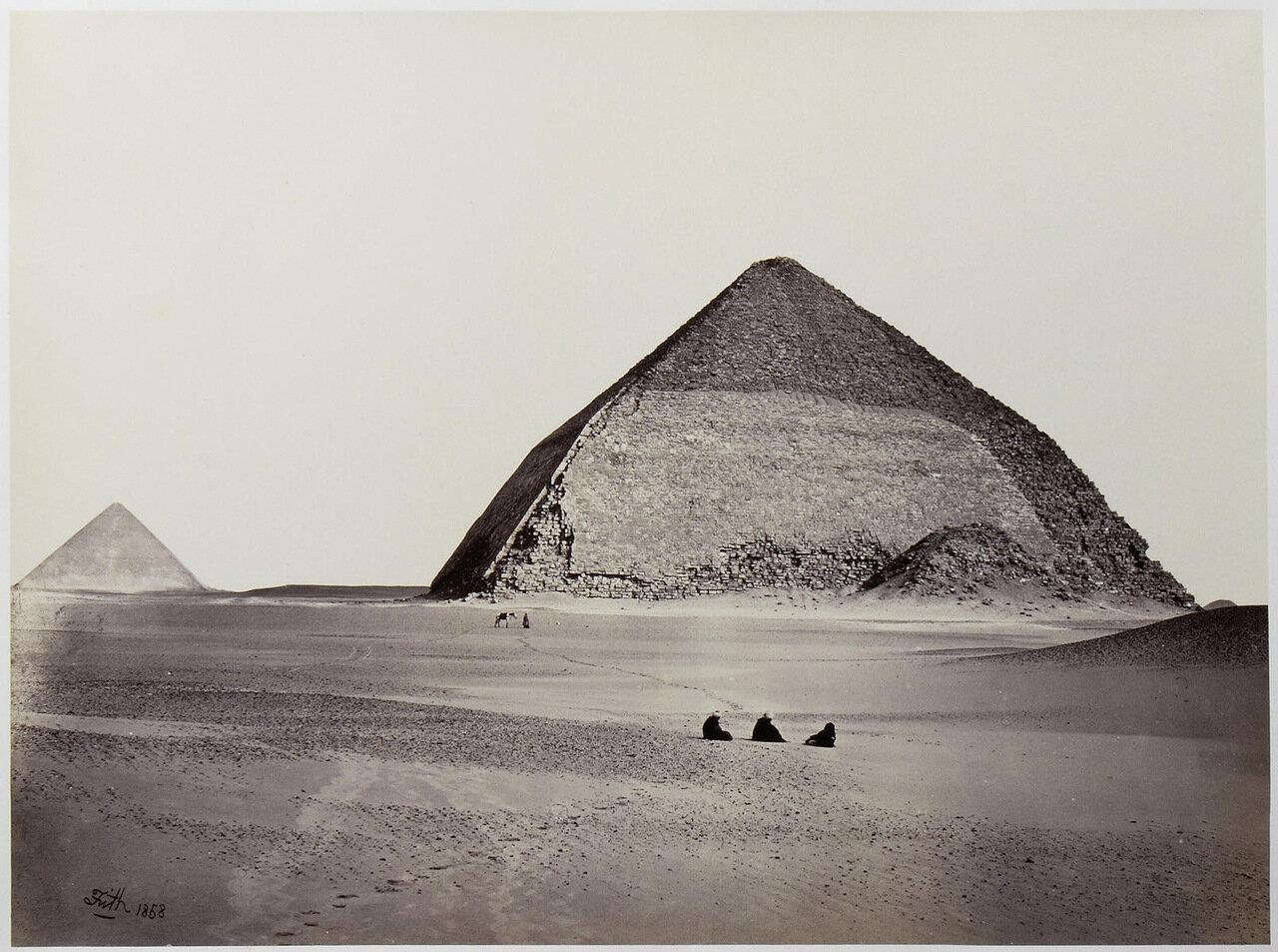 Ломаная пирамида Снофру в Дашуре. 1858
