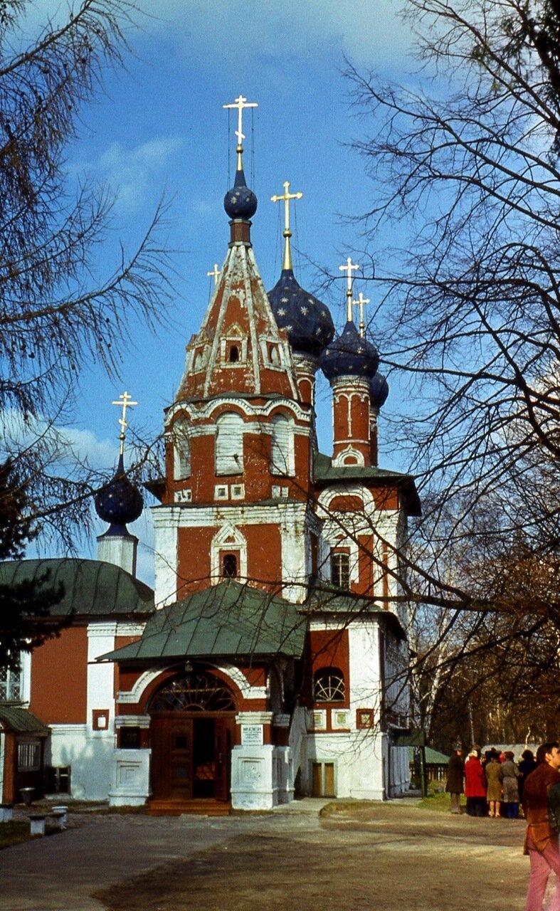 2. Церковь Димитрия на крови