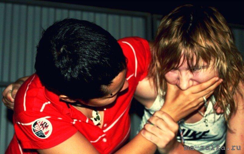 Девушке заткнули рот фото #13