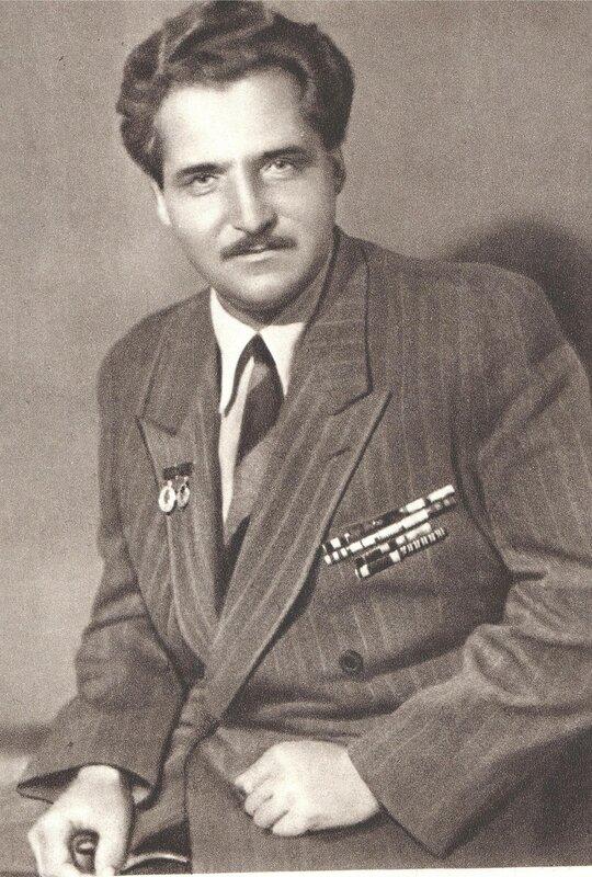 Константин Симонов, стихи о войне, стихи о любви