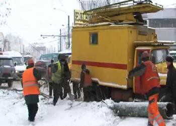 В центре Кишинёва упал фонарный столб
