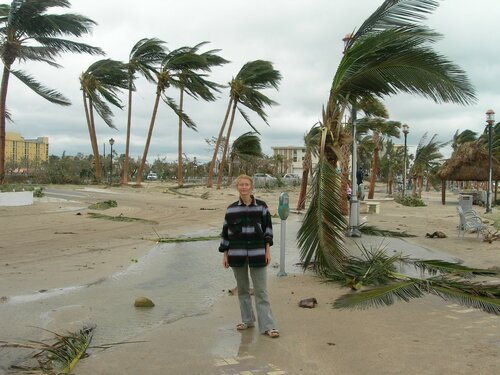 Городок Дирфилд-Бич. Приморский бульвар после урагана...