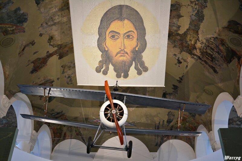Точная копия французского истребителя «Ньюпор-17»