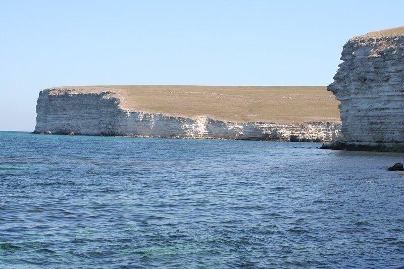 Раскаленная степь и сразу море