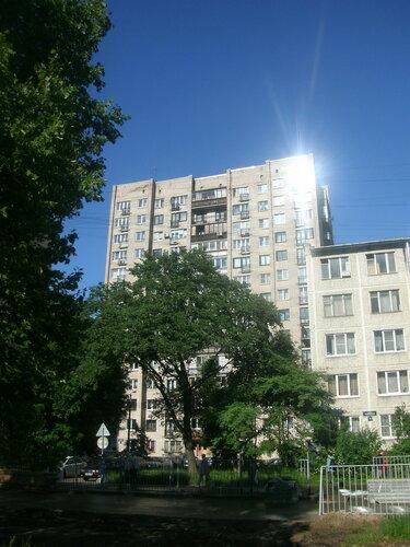 пр. Космонавтов 72