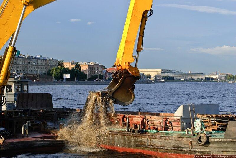 Автор: Петкун Евгений, блог Евгения Владимировича, фото, фотография: экскаватор на корабле