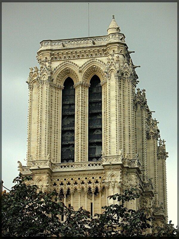 Собор Парижской Богоматери.Боковой фасад.