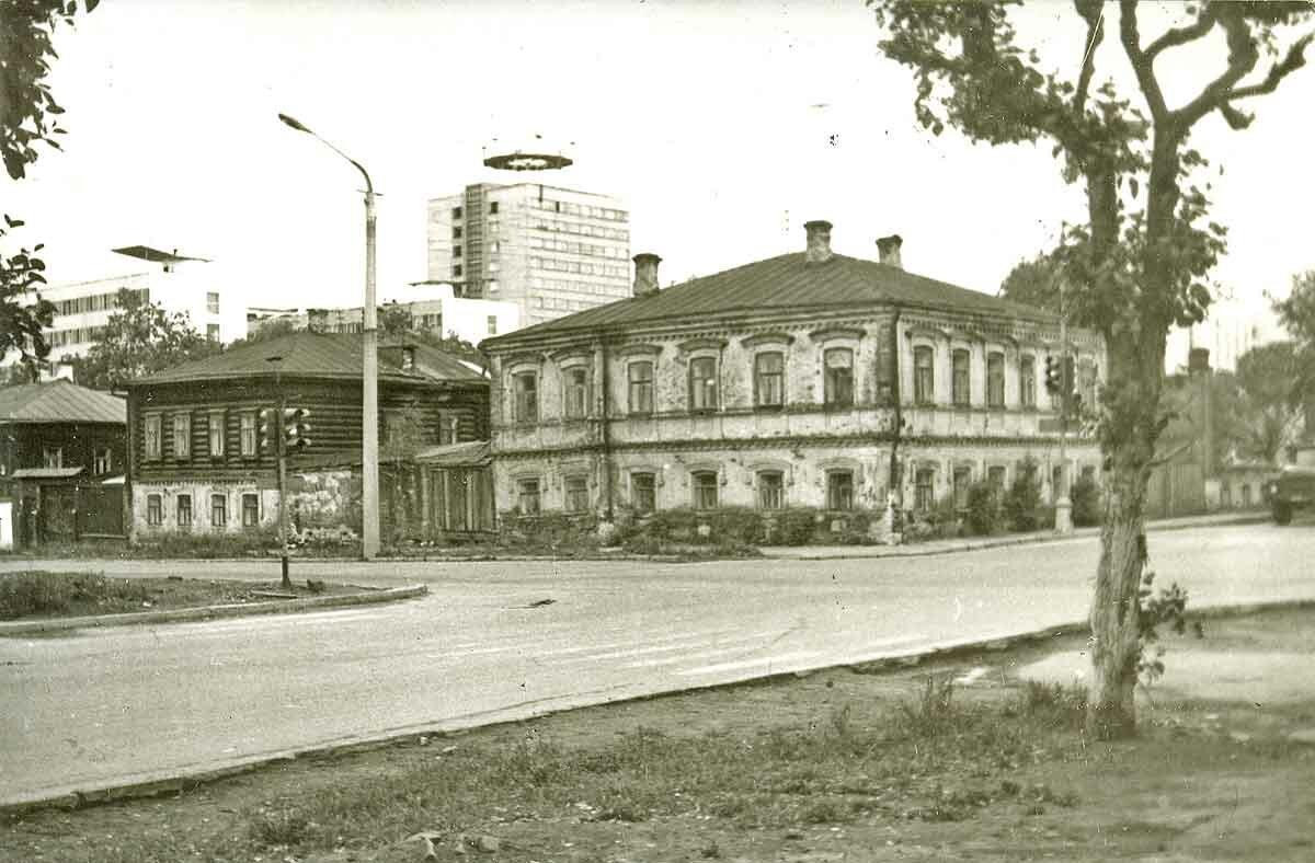 Перекресток ул.Екатерининская и ул.Попова