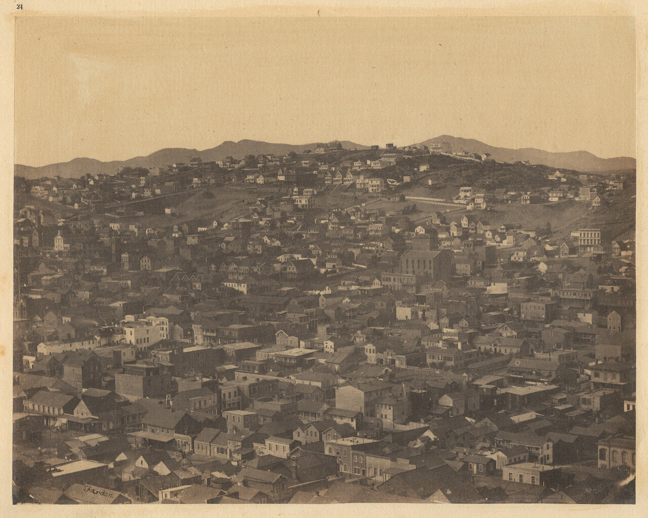Вид с Русского холма на Телеграфный холм