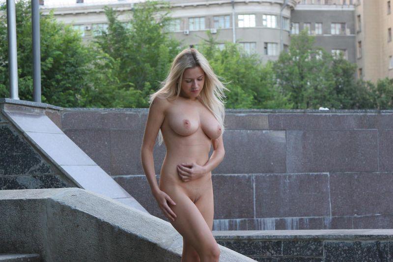 devushki-golishom-video-porno