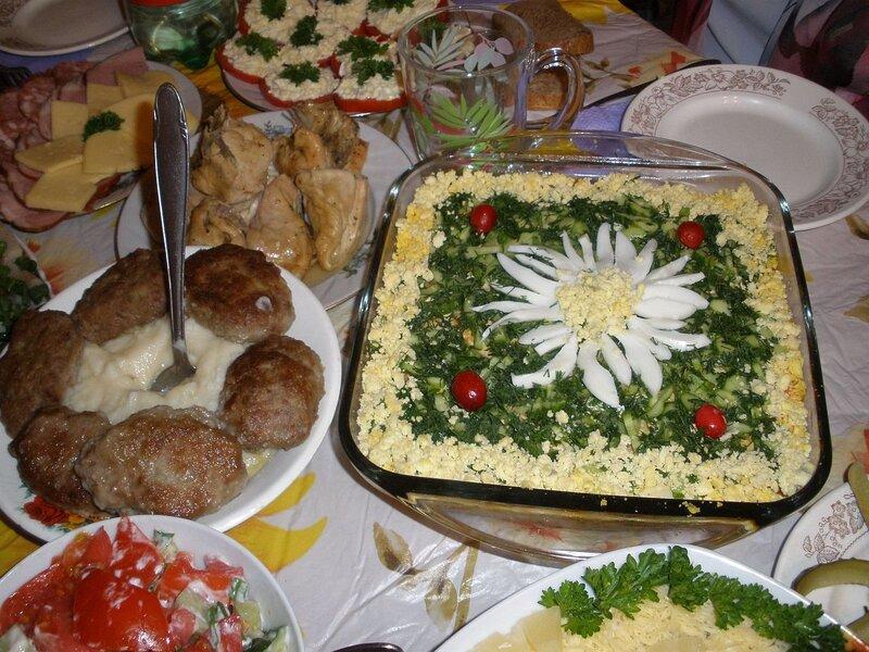 Как сделать недорогой праздничный стол 73