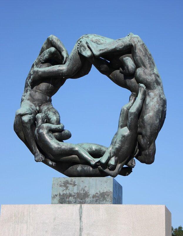 Oslo, Vigeland Park. Осло, Парк Вигеланда, колесо жизни, circle of life