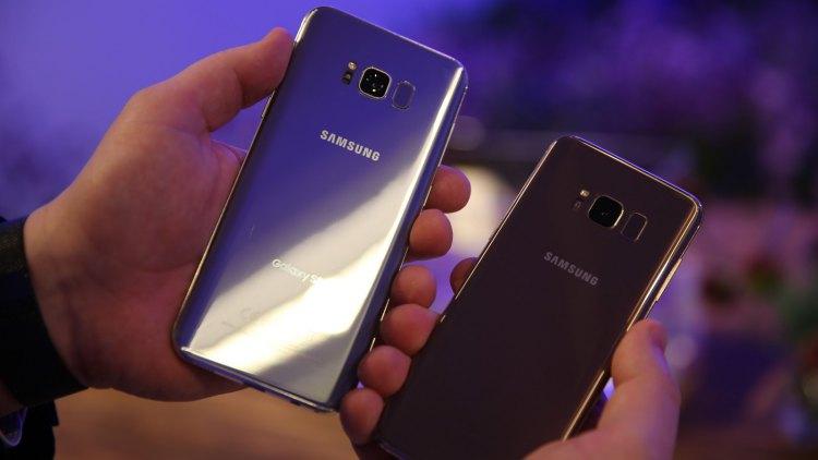 Флагманские корейские мобильные телефоны Самсунг появятся вновых цветах