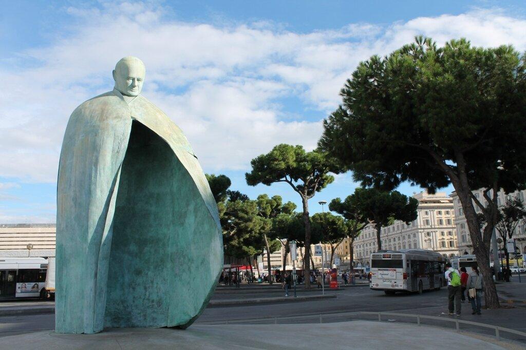 Подборка самых ненавистных общественных скульптур.
