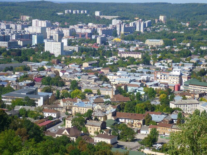 Вид с Замковой горы во Львове, Украина (View from Castle Hill in Lviv, Ukraine).