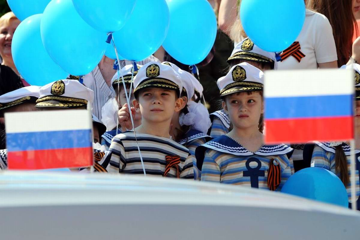 Между правдой и ложью: Про Парад детских войск в Ростове-на-Дону (26)