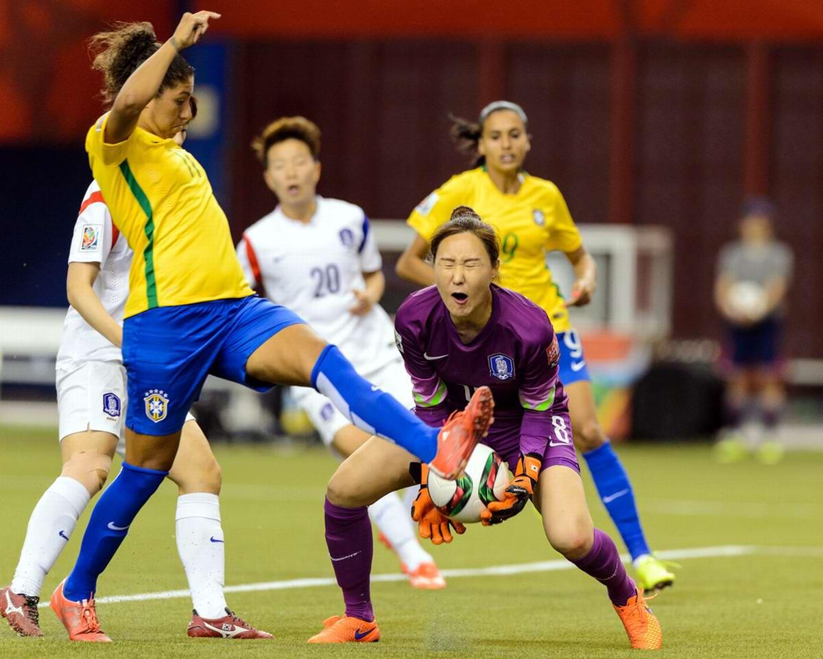 надежная конструкция смотреть фото женского футбола сначала