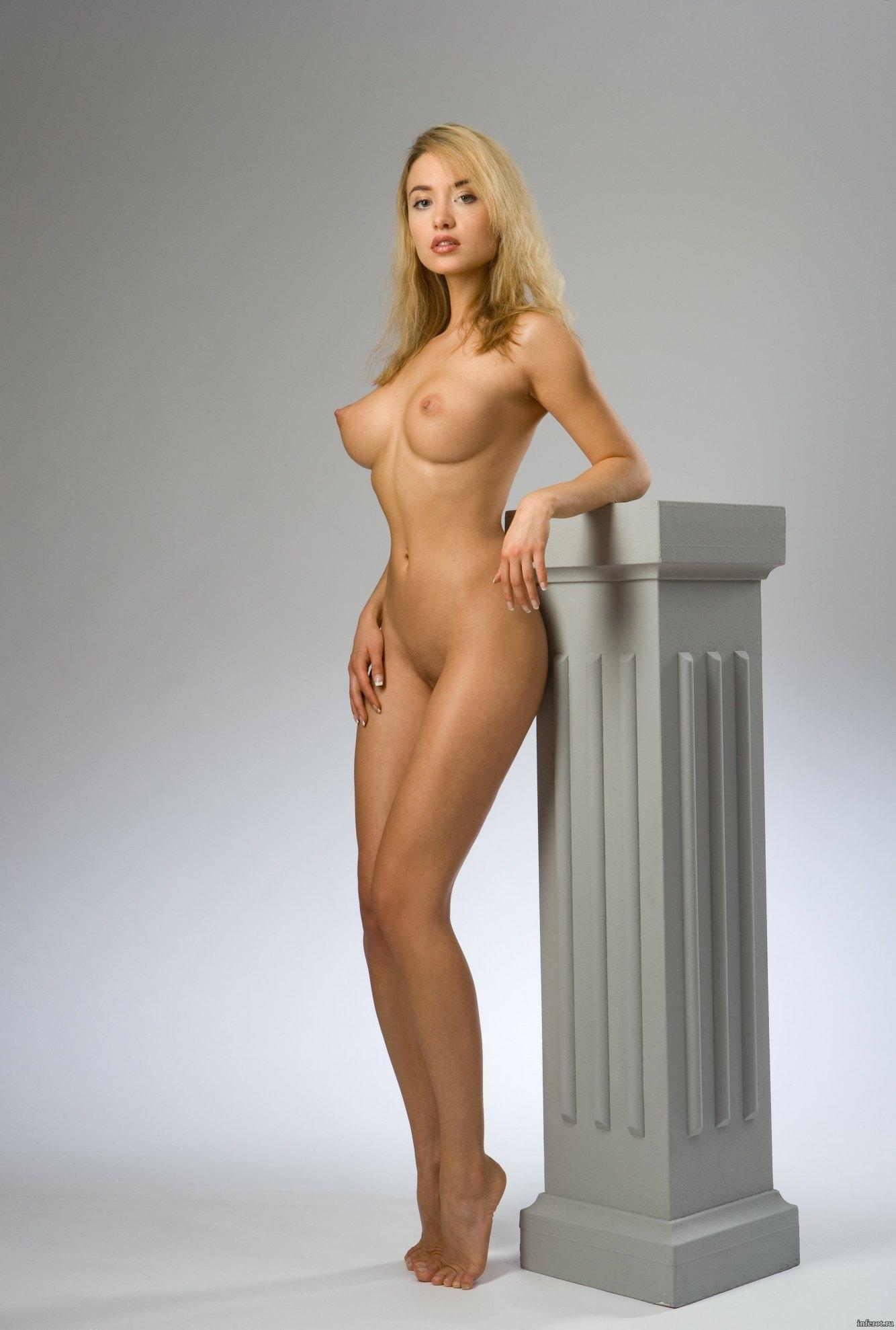 Голая девушка с упругой фигурой фото 730-854