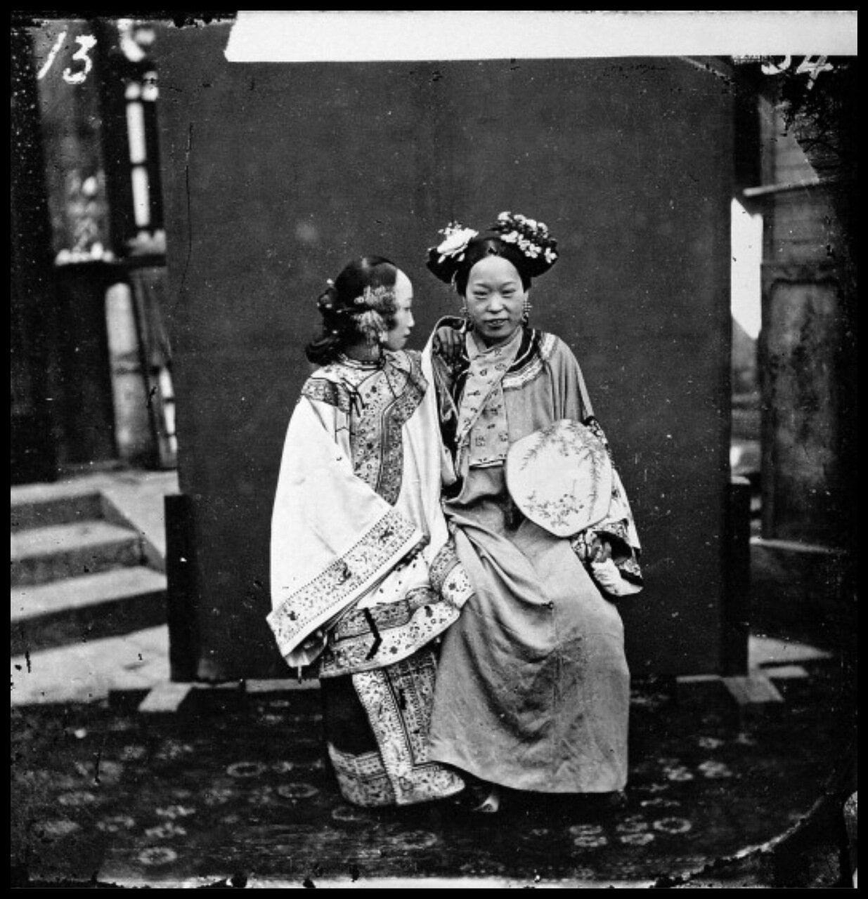 1871. Маньчжурская невеста в свадебном наряде, Пекин