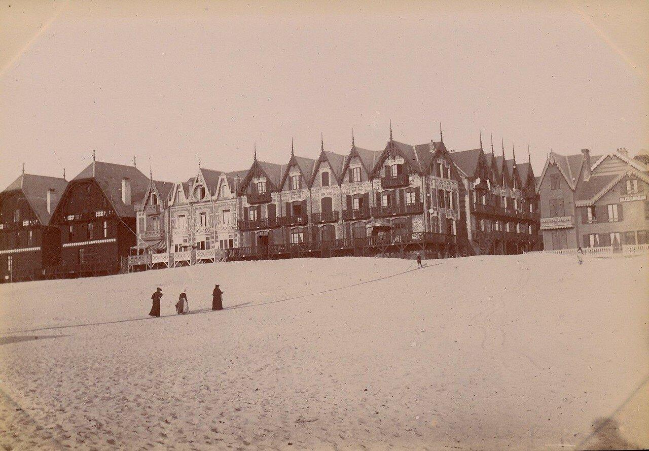 Гостиницы и пляж
