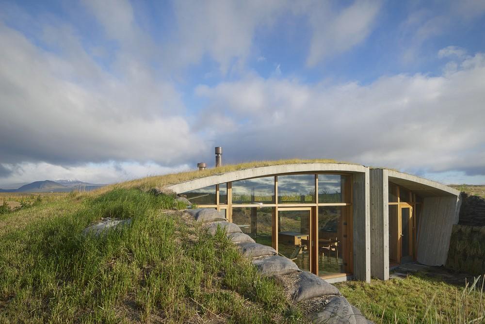 Дом среди природы Исландии