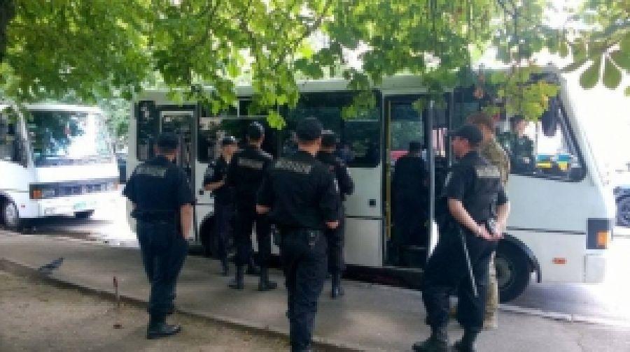 До офиса ПС подогнали милицию и автозаки
