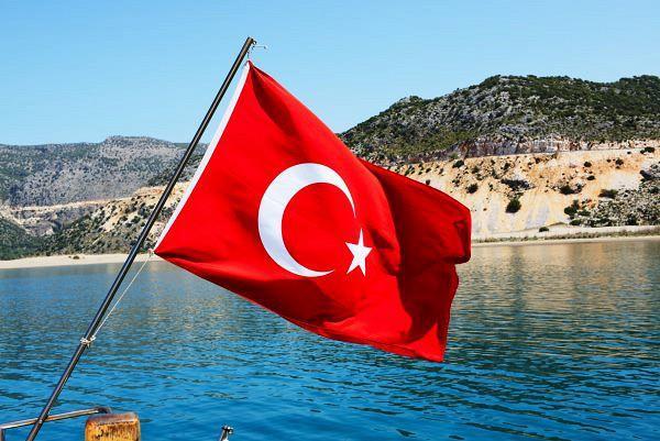 Парламент Турции продлил режимЧП еще натри месяца