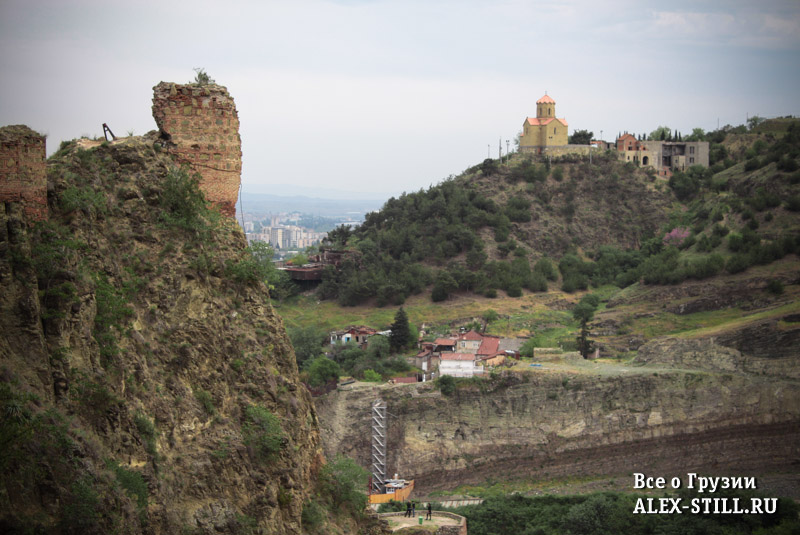Развалины крепости Нарикала