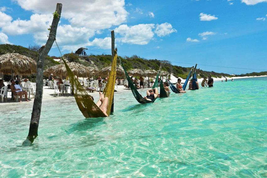 5. Жерикоакоара, Бразилия Эта местная рыбацкая деревушка очень изолирована. Но даже несмотря на то,