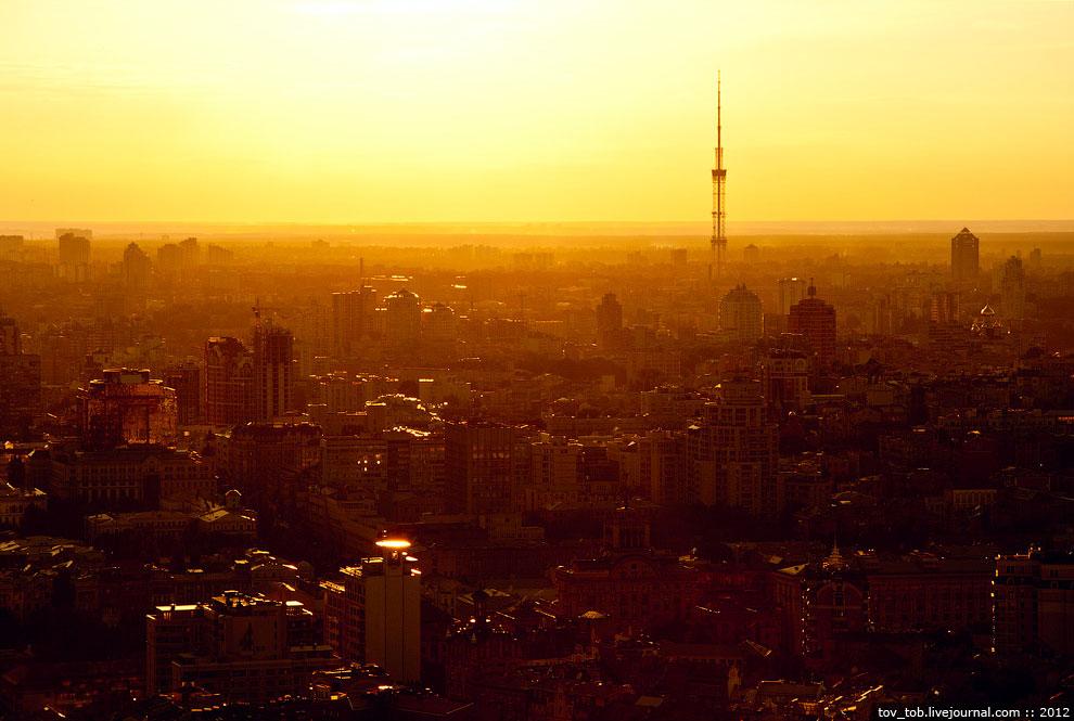 На момент завершения строительства киевская телебашня была 2-й по высоте в мире (после Останкин