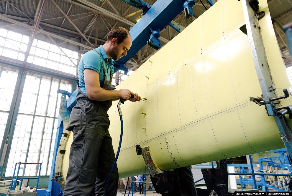 4. Бе-200 работает на водной поверхности при высоте волны до 1,2 метра. На фото: сборка не само