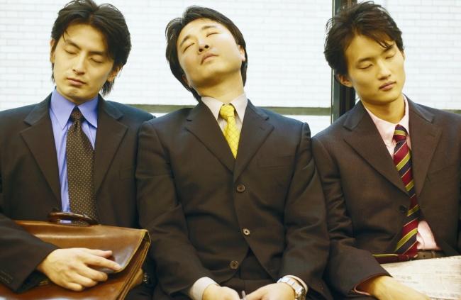 © EAST NEWS  Несекрет, что вЯпонии практически все работающие люди страдают отпереутомления