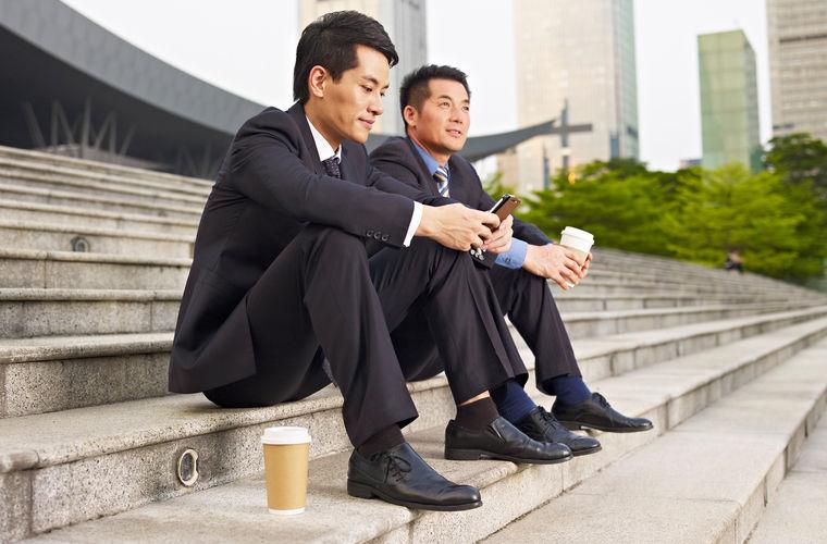 Чтобы сэкономить на мобильной связи и оплате за интернет, в Корее уже в аэропорту можно купить или в