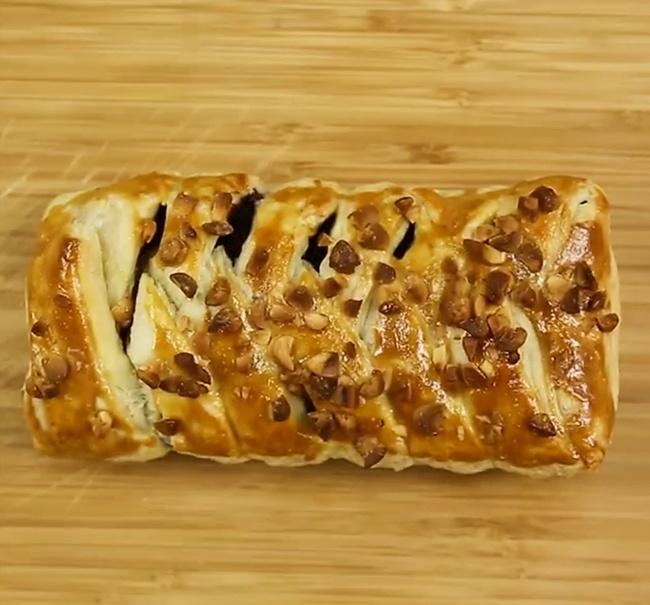 Моментальный пирог сшоколадом, который сделает даже ребенок