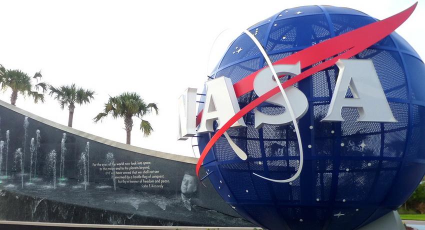 Вмузей NASA нехотят вернуть случайно проданный артефакт сЛуны
