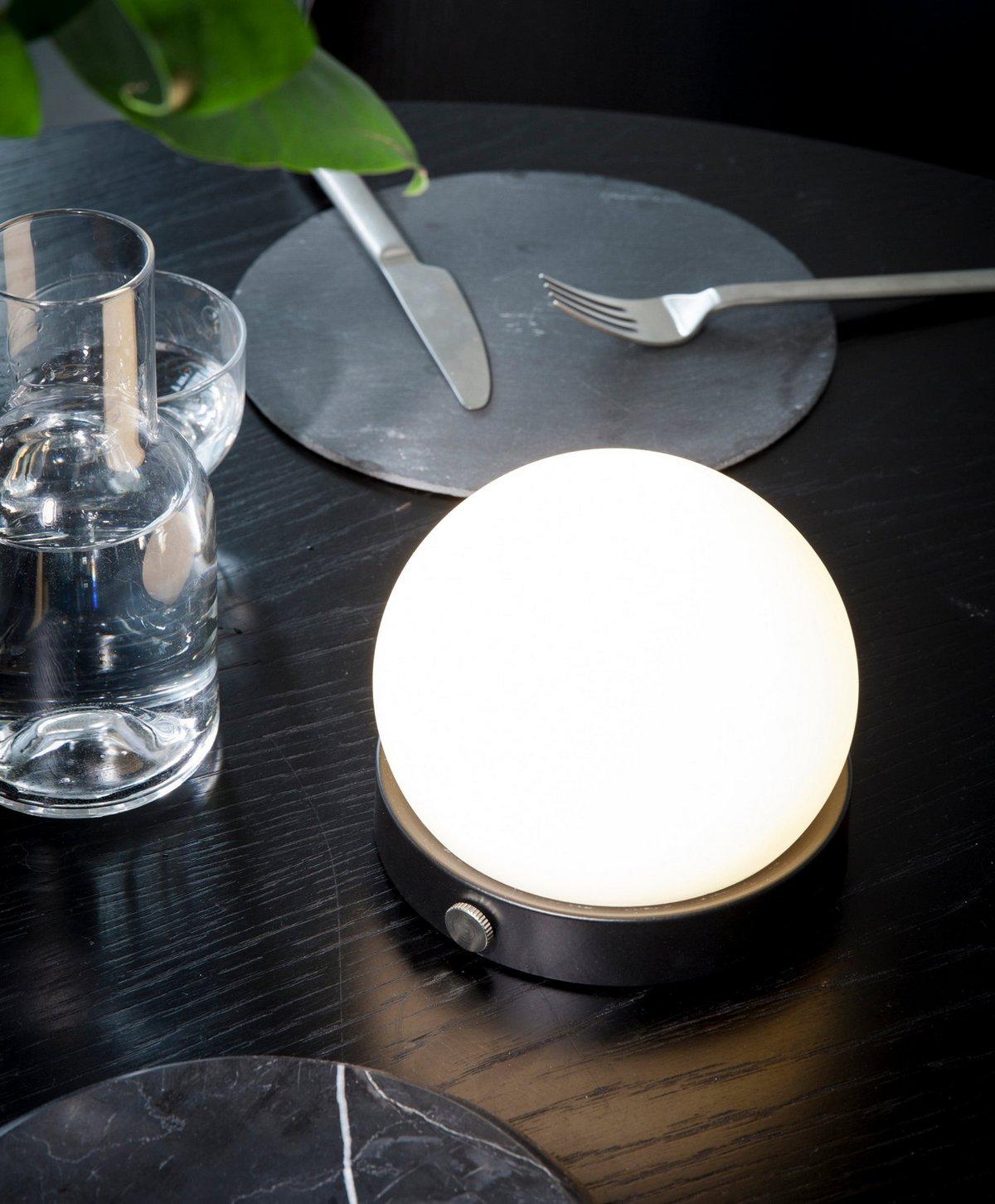 Портативный фонарь для дачи