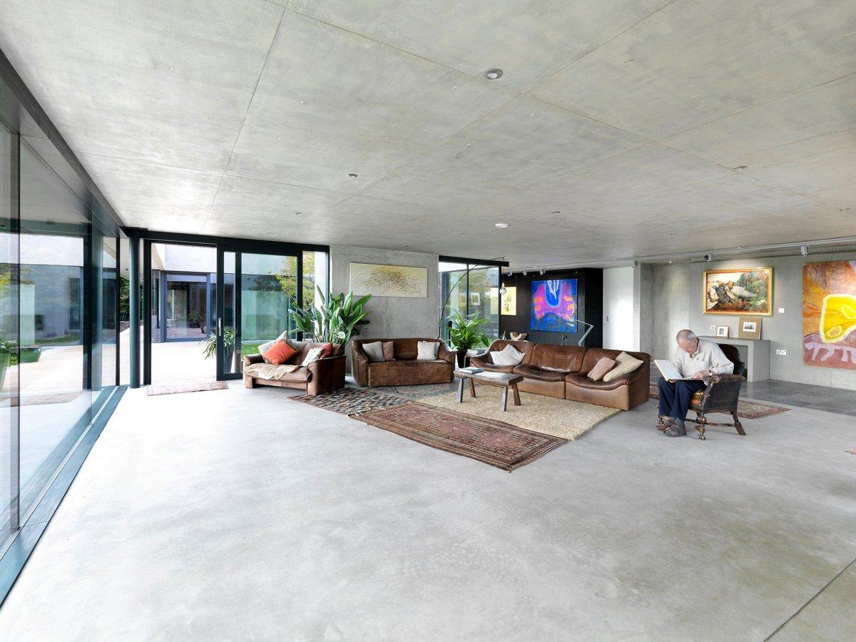 Большая гостиная в частном доме