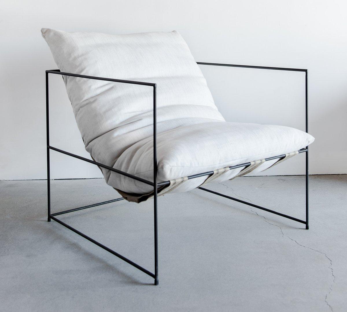 металлическое кресло