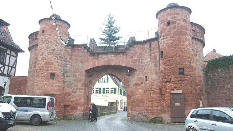 Иерусалимские ворота Бюденген