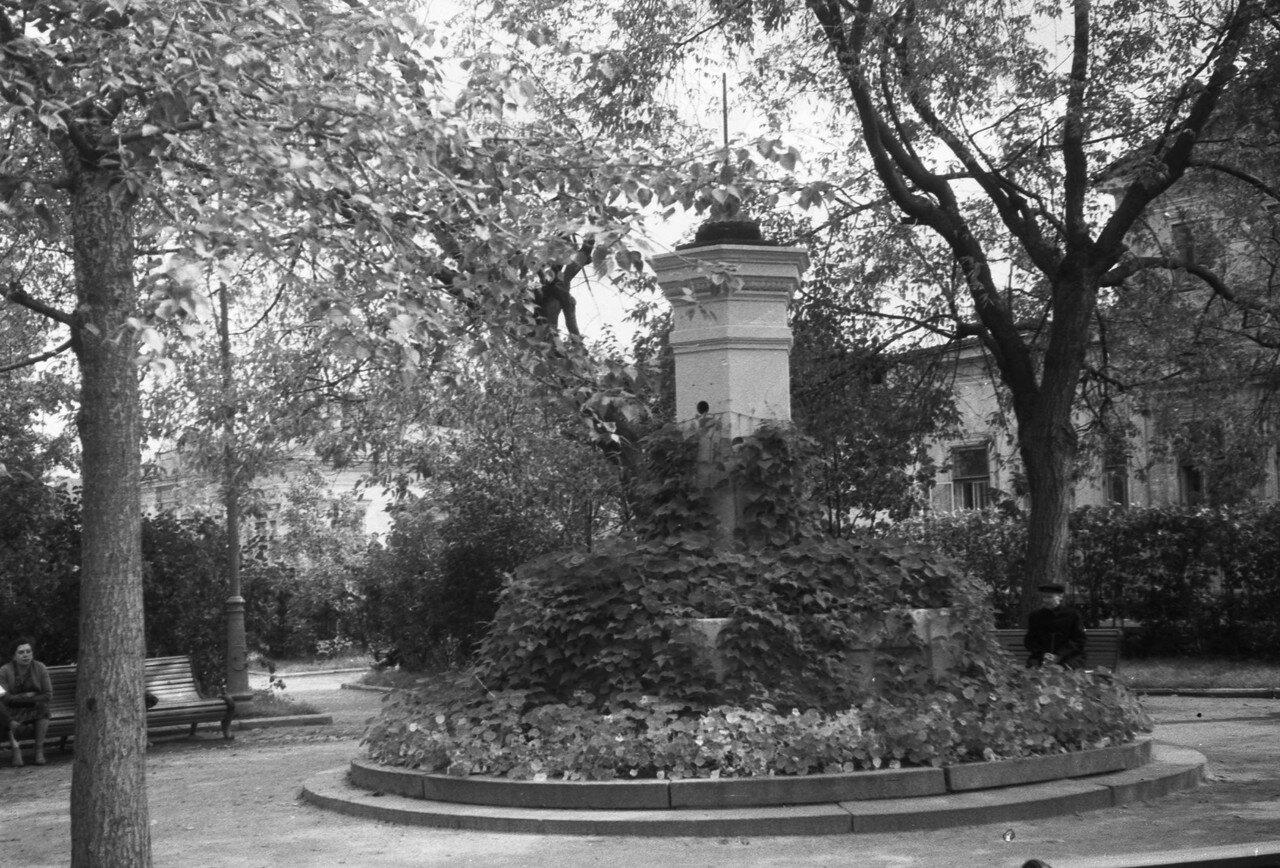 1961. Собачья площадка